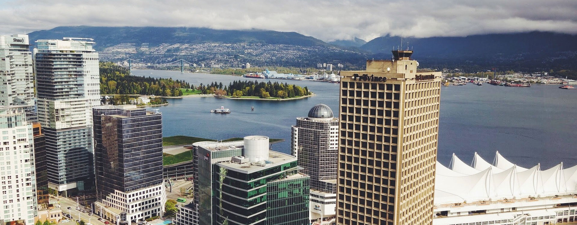 City and landscape photo of Vancouver, Canada.